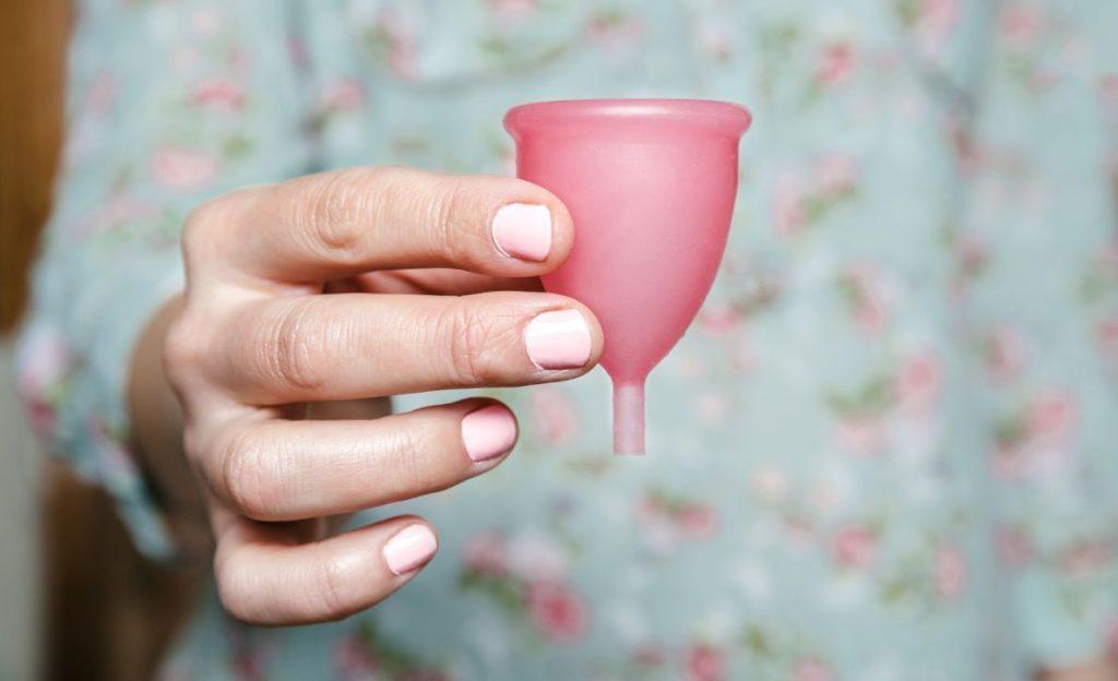 Kubeczek menstruacyjny – opinie