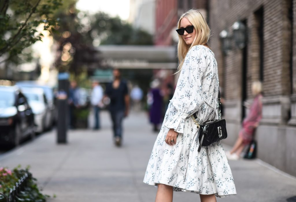 Sinsay sukienki – jak dobrać tę idealną?
