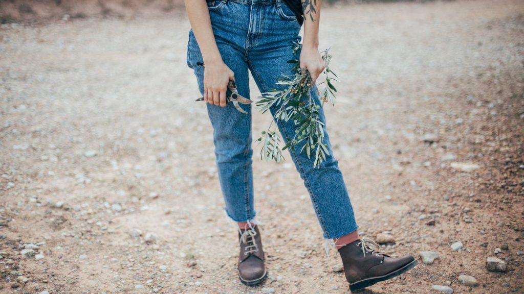 Sinsay spodnie – jak kupić odpowiednie przez Internet?