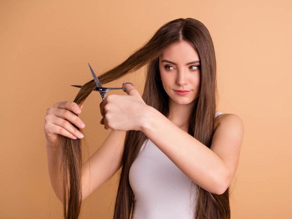 Włosy długie cieniowane warstwowo – niesamowity efekty
