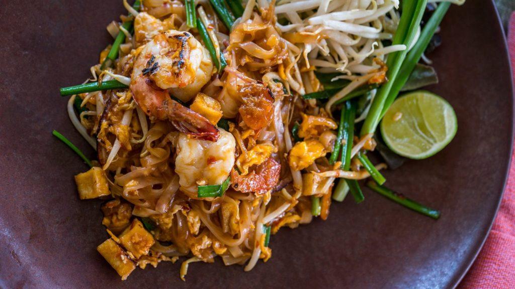 Pad Thai kwestia smaku – przepyszny makaron smażony po tajsku
