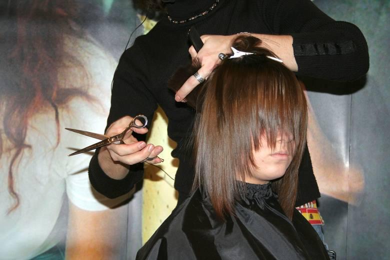 Włosy cieniowane warstwowo i ich zalety
