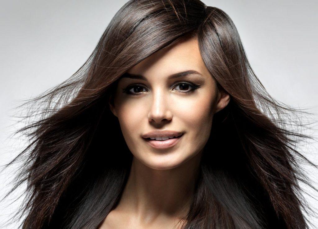 Włosy długie cieniowanie – świetny sposób na fryzurki z objętością